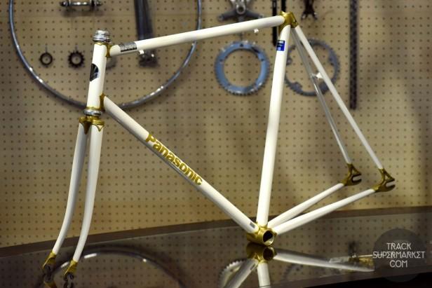Panasonic - Pearl White w/ gold lugs - 57 cm - NJS Track Frame