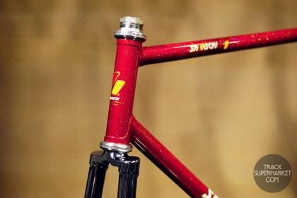 Samson - Red w/ Rainbow flake - 55 CM - NJS Track frame